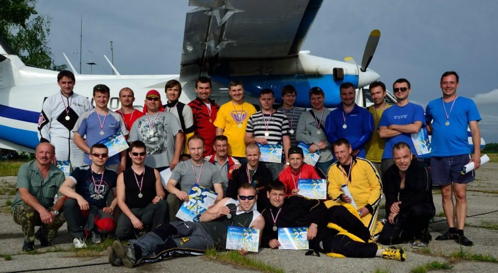 Установлен рекорд области в парашютном спорте